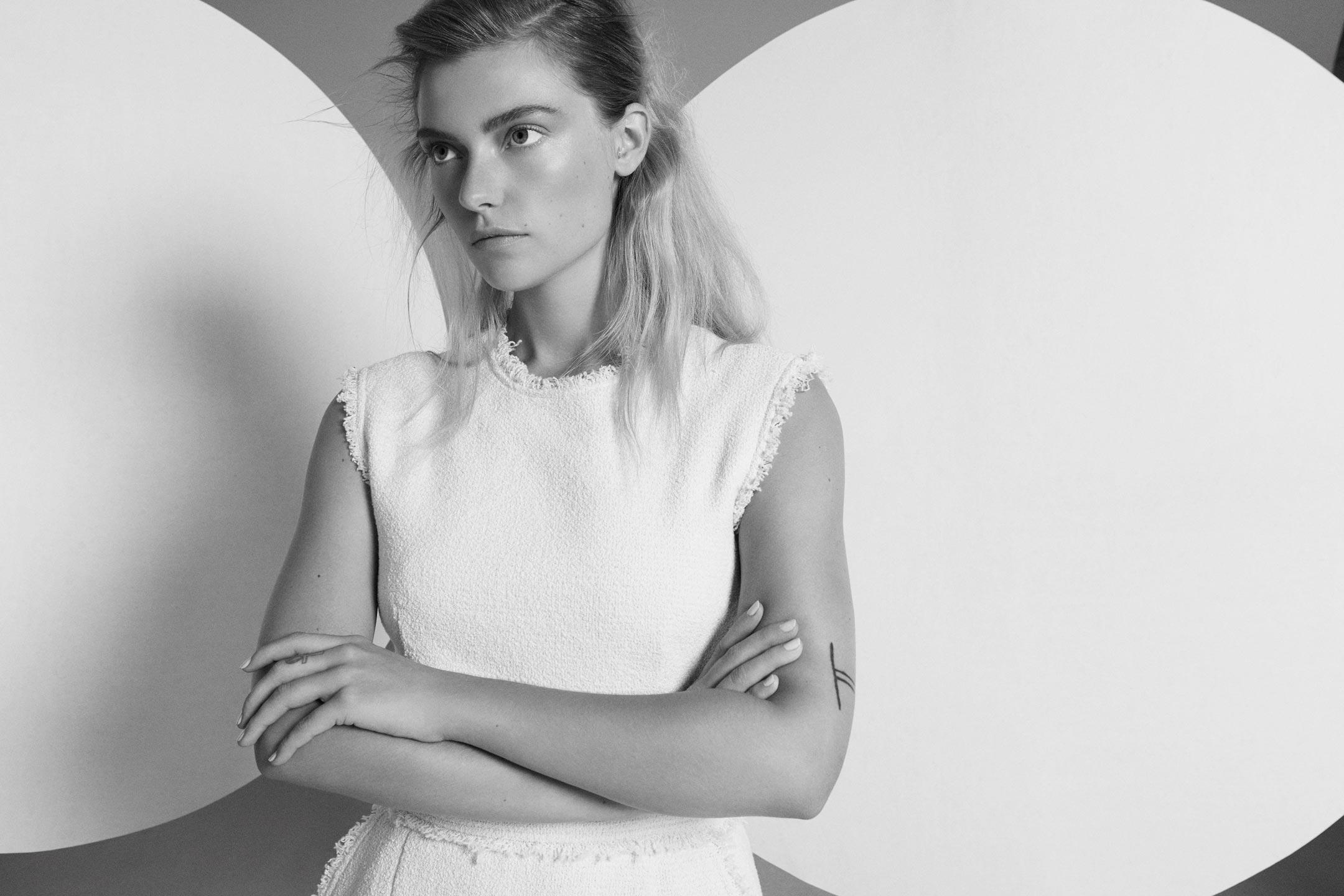 Fashion Story - Amazing Magazine - Model Farah Holt I Greg Sorensen I Fashion & Beauty Photographer I NYC